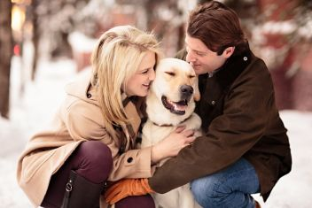 Winter engagement session with Yellow Lab in Aspen, Coloardo by Jason+Gina Wedding Photographers | Two Bright Lights :: Blog