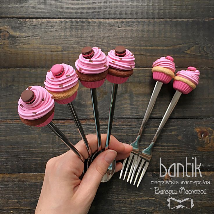 Cuchara / Tenedor con cupcakes rosa