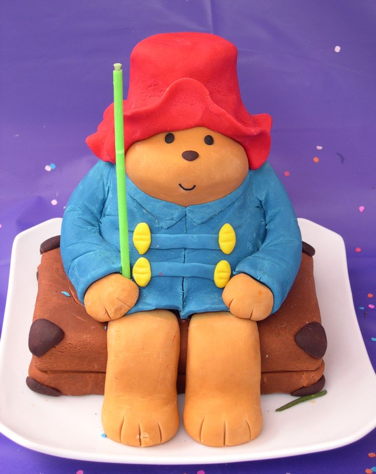 Cake Art Paddington : Paddington Bear fondant cake Pasteles Pinterest ...