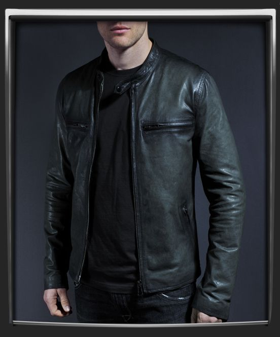 Cafe Racer Style Motorcycle Leather Jacket With A Classic Look