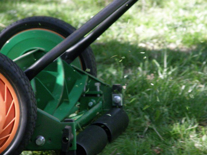 "Pin for Later: Extreme Nesting: 12 Nutty Pregnancy Stories Manually Mowing the Lawn ""I was nine months pregnant and started mowing the lawn — with a manual lawn mower! I think I was trying to induce labor."" — Melanie W."