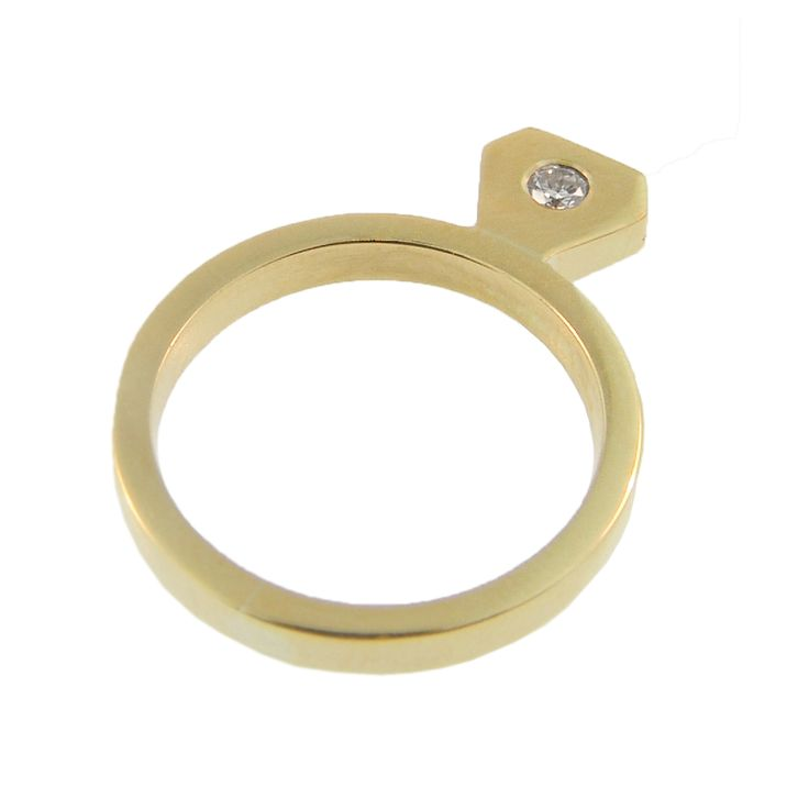 18ct Yellow Gold Diamond Shaped Round Brilliant Diamond Ring. Handmade at Cameron Jewellery (side one).
