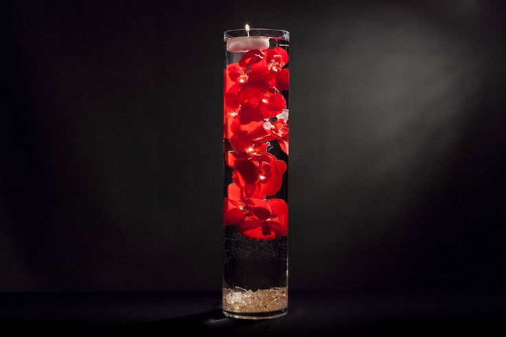 Vase Centerpiece With Flowers And Floating Candles Diy