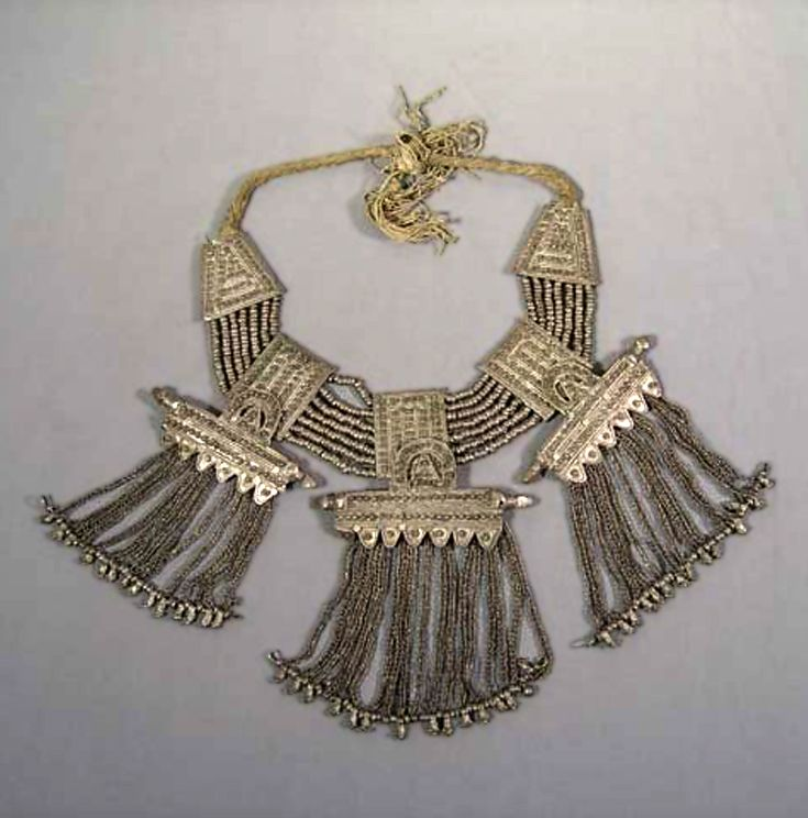 Yemen | Silver and cotton cord necklace | Collection Helinä Rautavaaran Museum; acquisition date ca. 1954