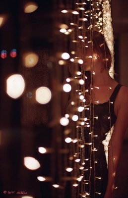 doorway: Amo Bokeh, Hanging Fairies, Bokeh Photography 04 Jpg, Designmag Bokeh, Lighting Doorway, Fairies Lighting, Christmas Lighting, Fairies Lightspeopl, Bokehphotography04Jpg 615953