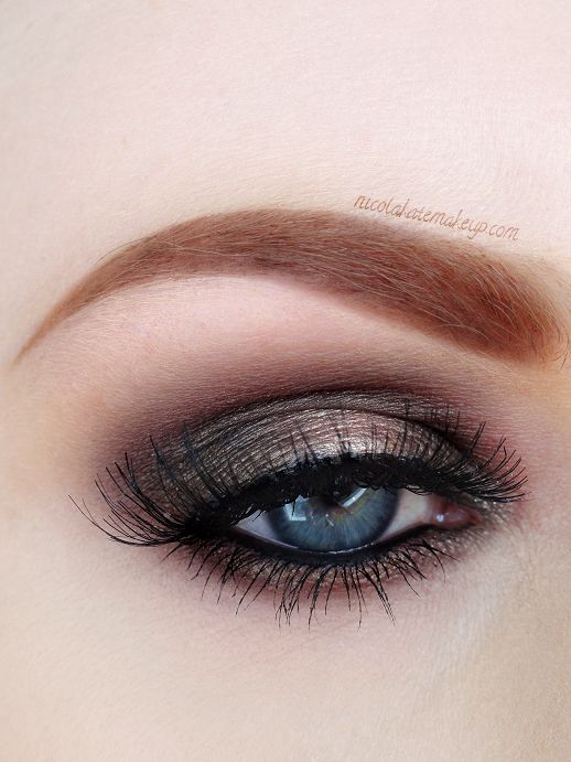 EYES: Urban Decay 'Bourbon' 24/7 Glide On Pencil all over the lid as a base Urban Decay 'Darkhorse' eyeshadow in crease, inner and outer co...