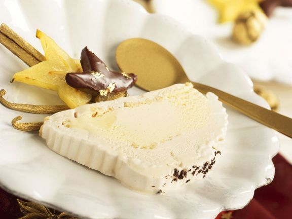 Weihnachtliches Vanilleparfait ist ein Rezept mit frischen Zutaten aus der Kategorie Menü. Probieren Sie dieses und weitere Rezepte von EAT SMARTER!