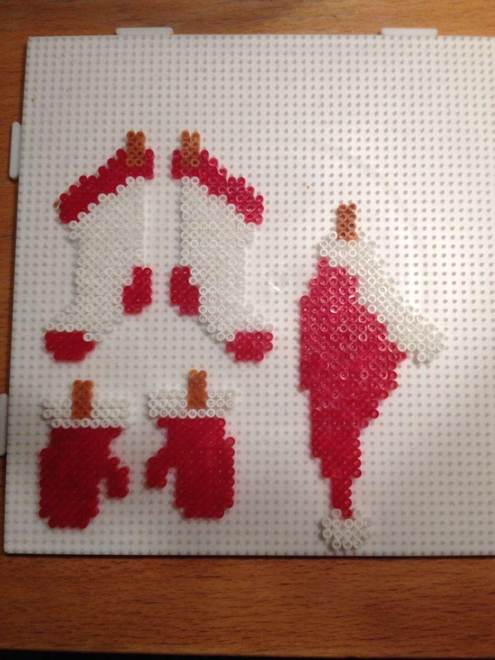 Julemands sokker, hue og vanter HAMA mini perler