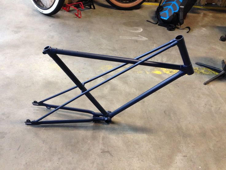 My 50's Juncker cross frame with a new coat of paint. Dark blue with fine texture and matte finish.