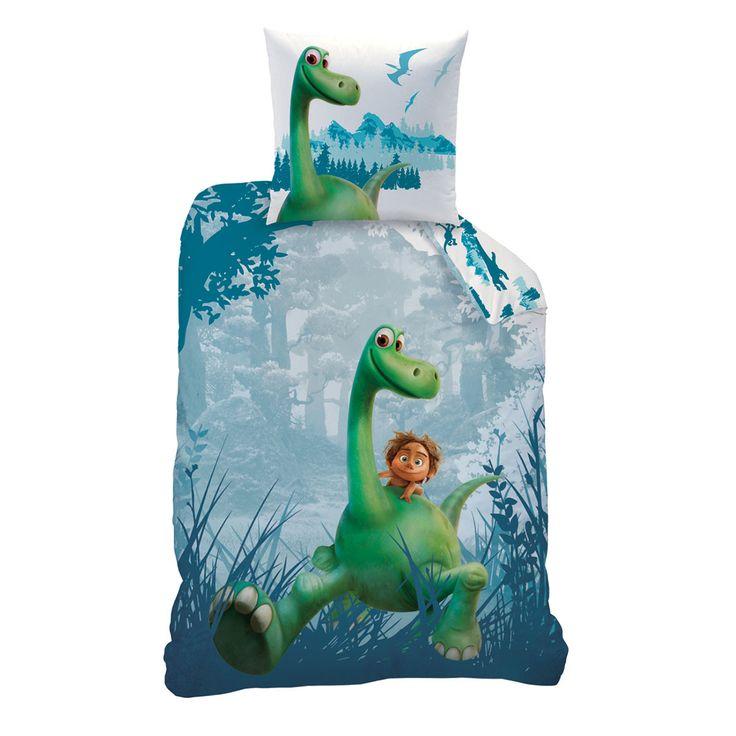 Disney Baumwolle Kinderbettwäsche Dinosaurier mit Disney Motiv. Das Design der weichen Bettwaren zeigt Arlo, den gutmütigen Apatosaurus und seinen Freund den Menschenjungen Spot. Mit dieser Garnitur bereiten Sie den lieben Kleinen garantiert eine Freude. #bettwäsche #bedding #kids #kinderbettwäsche #dinosaurier #disney www.bettwaren-shop.de