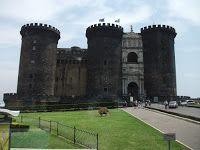 Pilot wycieczek - Guida - Tour Leader - Włochy: Neapol - miasto zamków, pizzy, muzyki i niestety ś...