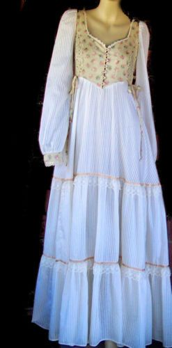 Sz 2 to 4 Vintage 70s GUNNE SAX long Victorian Edwardian Prairie Pioneer dress