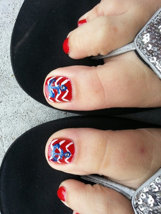 LOVE my new chevron toes with anchors! Got them done today at Nail Le in Baxley, GA!