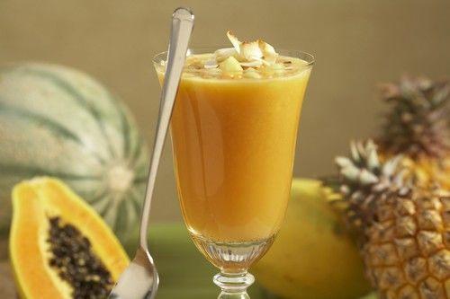 Delicioso licuado tropical de papaya y piña para bajar de peso (RECETA)