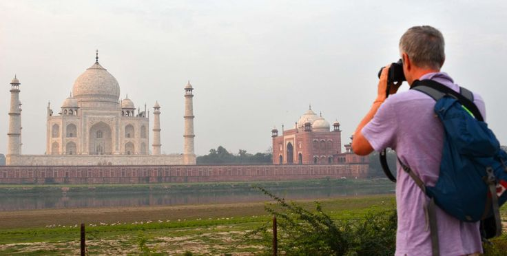 Find Professional Photographers in Agra for Travel Photography