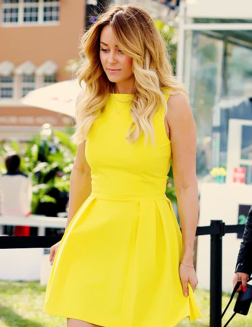 Yellow dress!!..........would LOVE this for my birthday dress!!