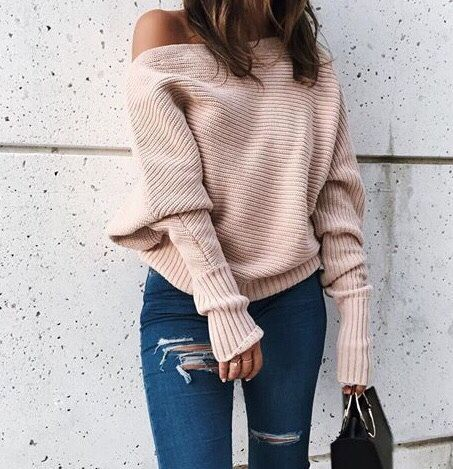 a simple sweater that goes with a nice pair of ripped jeans. Perfect for colder weather.