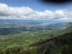 [Haute-Savoie] Andilly - L'Abergement - Mont Piton - Le Châble - Présilly Ce parcours emprunte en grande partie les fameuses randonnées du VTT club Montailloux (dernier dimanche de septembre) et de la Coppandy (2ème week-end de mai). C'est une combinaison des meilleurs passages sans difficultés mais parcourant les plus beaux endroits, forêts, clairières et les points de vue des 2 versants du Salève. Et puis comme il y avait trop longtemps qu'aucune nouvelle trace n'avait été postée dans…