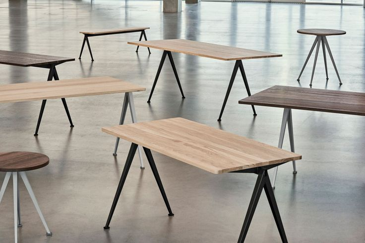 Syftet med Pyramid Table från HAY var att skapa ett smidigt och samtidigt rejält bord, både till form och funktion. Pyramid Table, tillsammans med Result Chair, formgavs ursprungligen av Friso Kramer och Wim Rietveld på 1950-talet som vid den tiden arbetade på Ahrend. Vid lanseringen på 50-talet togs dessa emot som mycket nyskapande med sina rena och tydliga former och kombinationen av de olika materialen. Nu relanseras både bordet och stolen av danska HAY i samarbete med just Ahrend.