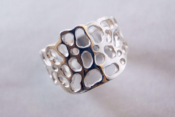 Ring inspired by the Pedrera's door of Gaudi