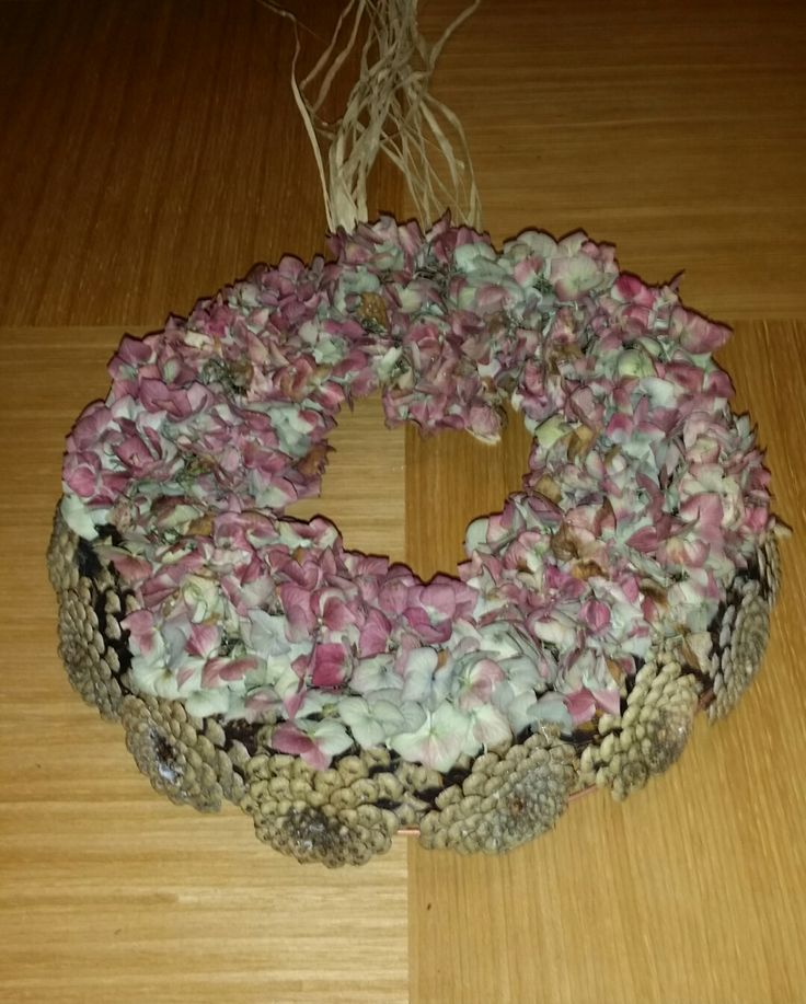 ALMOST FREE! Autumn wreath, put on your door now. Then at Christmas, glue on some decorations and you have yourself a wreath that cost you pennies!  Find out how here: https://www.facebook.com/LeafyPineFlowers/