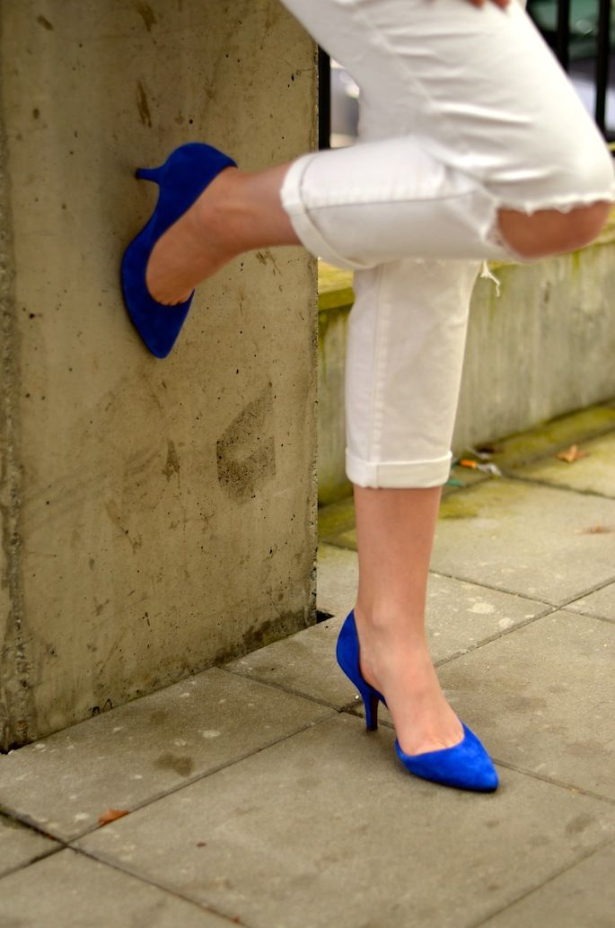 A BIT OF BLUE  - The Urban Umbrella - Vancouver Style Blog