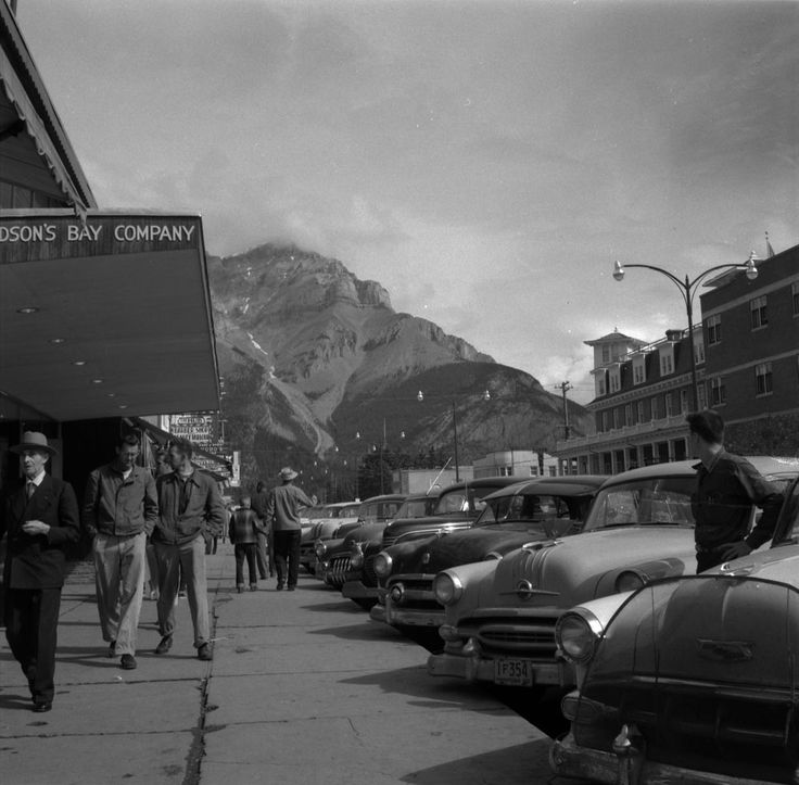 Jour 17  16 août 1954 – Banff (Alberta)  http://collectionscanada.gc.ca/pam_archives/index.php?fuseaction=genitem.displayItem&lang=fra&rec_nbr=4307750