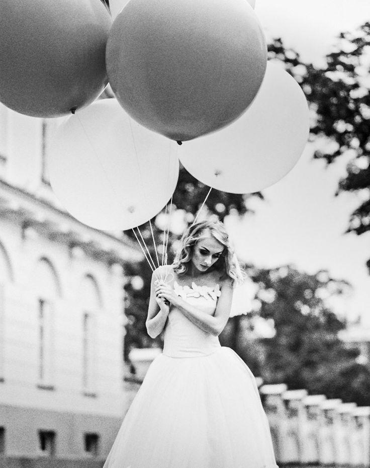 #theluxuryweddingsource, #GOWS, #weddingstyle, #bridalportrait, #weddingphotographer