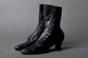 Kolekcja Oryginalnych Historycznych Ubiorow Z Xix Wieku Buty Skorzane Koniec Xix W Happy Shoes Shoes Left Shoe
