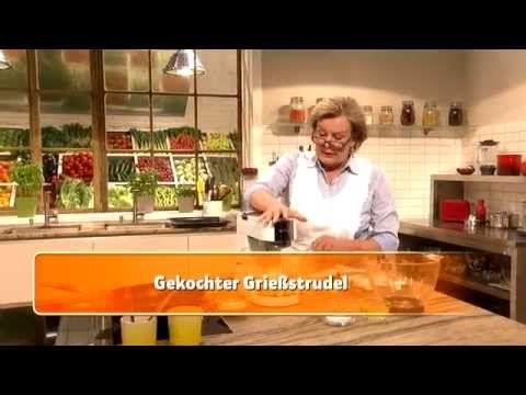 Gekochter Grießstrudel (Lisl Wagner-Bacher) - YouTube.   Hier gibt es das Rezept: https://www.billa.at/Frischgekocht_ONLINE/Frisch_Gekocht/Rezepte/Rezept_Detail/Recipe_Detail/FgContent.aspx?Rezept=24313&Gekochter_Grießstrudel