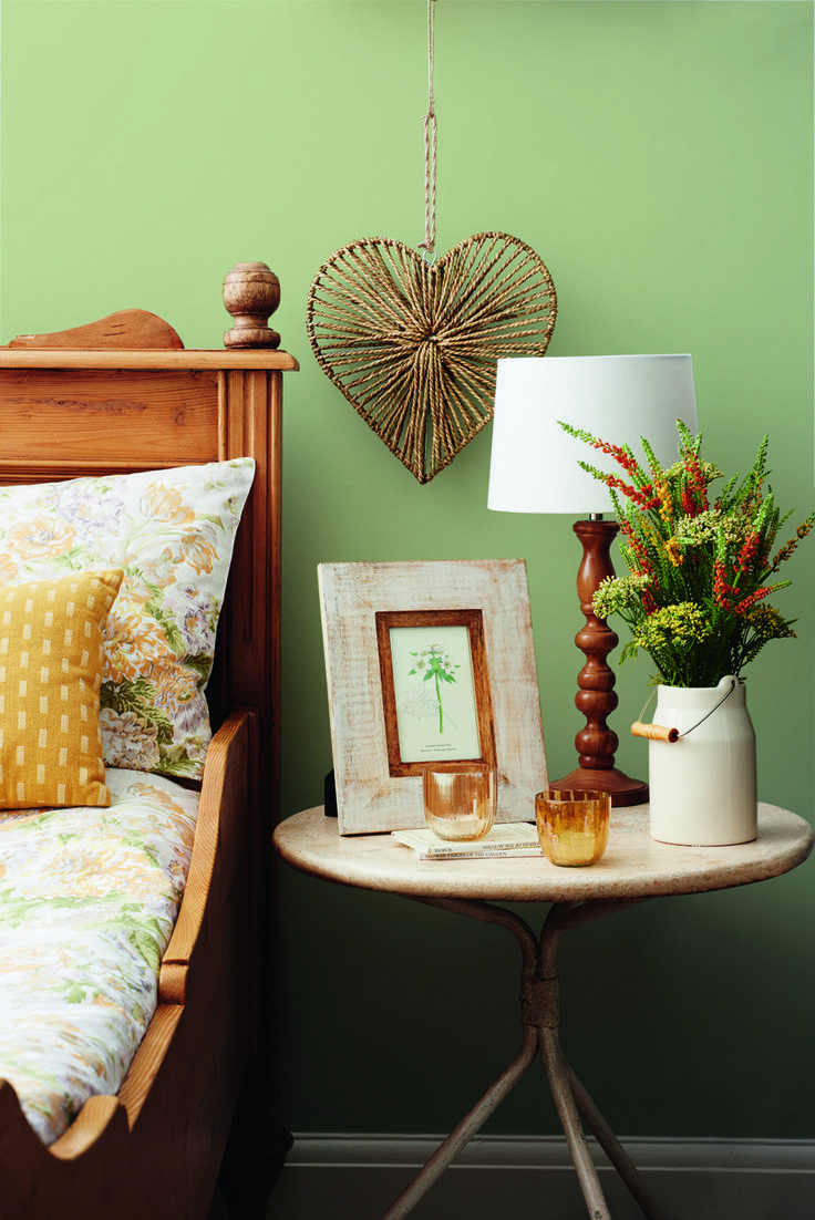 Evoke the rustic charm of a country fair with homewares boasting floral and fruit motifs.