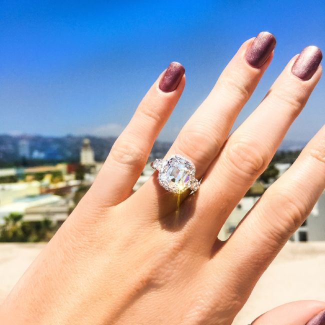 Martin Katz - Interview With The Engagement Ring Master - diamond engagement ring selfie