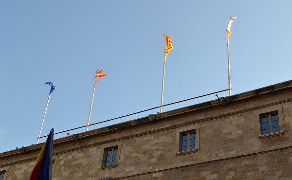 El govern municipal restiruirà la bandera espanyola a ledifici de lAjuntament