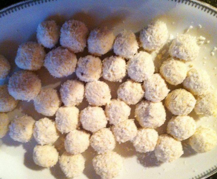 Rezept Low Carb Raffaelo von Finsinger - Rezept der Kategorie Desserts