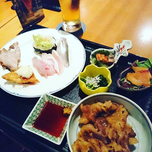 シーガイアのビュッフェですきやき  #ocean #surf #シーガイア #sheraton #craftbeer #カフェ巡り #カフェ #coffee #cafe #読書 #本 #ビール #beer #outdoors #outdoor #小説 #litterature #beer #book #river #diy #宮崎 #肉 #刺身 #sashimi #sushi #salmon