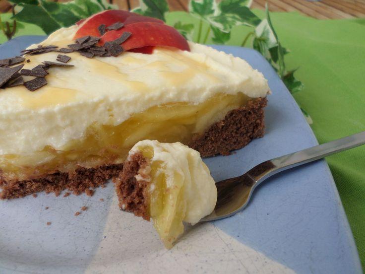 Egg liqueur apple tart | Eierlikör-Apfeltorte
