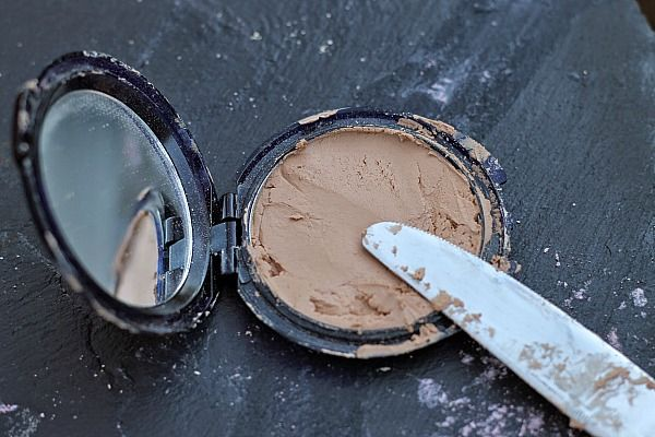 made Recipes for Beauty Products: How to Fix Broken Eyeshadow, Blush or Foundation 4
