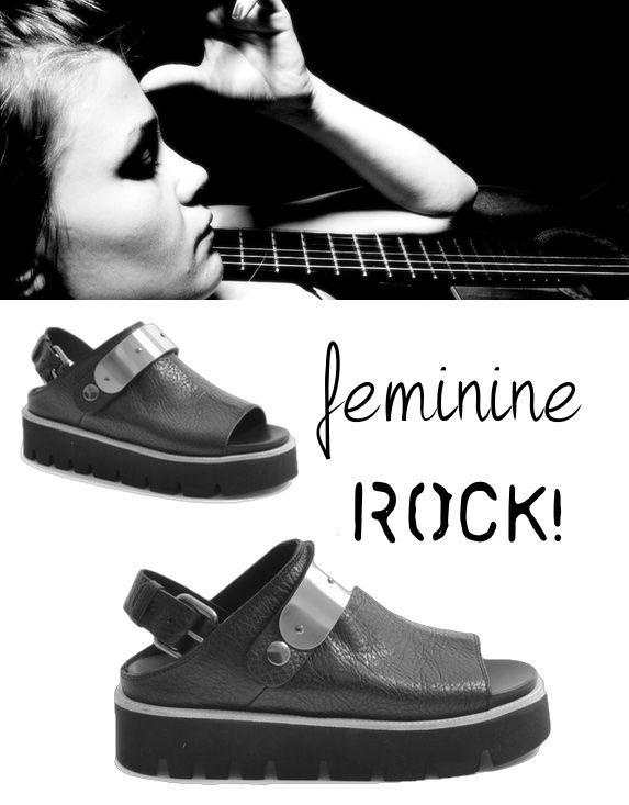 #Sandali in #pelle martellata, fascia metallica, laccio dietro la caviglia con fibbia regolabile, platform in gomma h 35 mm, guardolo in cuoio, suola in gomma. Solo per cattive ragazze! http://bit.ly/1yRpbJU #shoponline #leather #blacklook #grandimarche #shoes