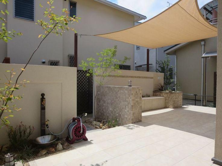 ガーデン施工事例 / アウトドアリビング、タイルテラス、ターフ、ナチュラル、自然石