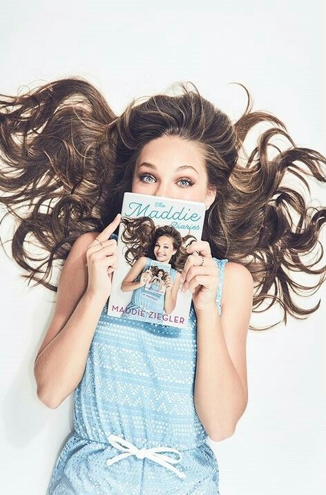 Maddie is so pretty I'm literally dance moms biggest fan of really want this book!!!
