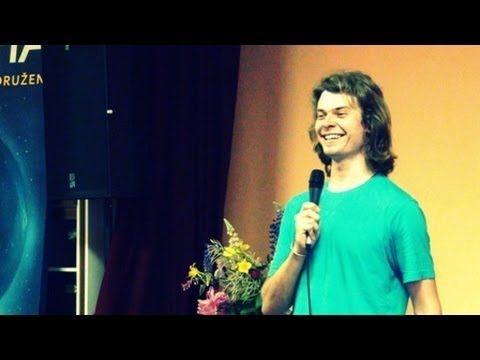 """ASTRÁLNÍ CESTOVÁNÍ A LUCIDNÍ SNĚNÍ - Tomáš """"Poutník"""" na Setkání Gošárníků 7, 16. 6. 2013 - YouTube"""