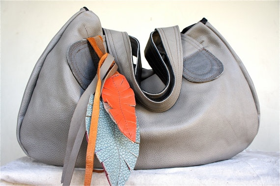 Muriel with Tote Straps in Pebble Gray Leather by arebycdesign: Beautiful Leather, Feathers Bags, Recycled Leather, Color Splash, Gray Handbags, Leather Bags, Leather Feathers, Leather Purses, Grey Leather