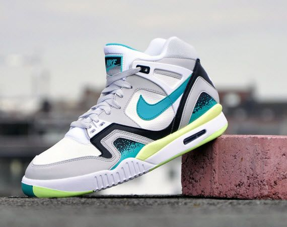 Nike Air Tech Challenge Hybrid On Feet