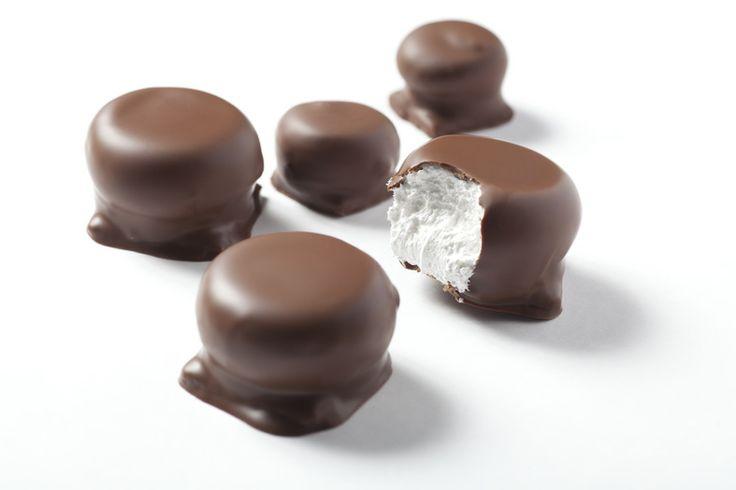 """Jueves de antojo... Disfruta hoy de unos deliciosos """"BESOS"""" de la #reposteriaastor   www.elastor.com.co"""