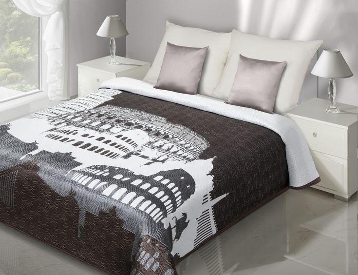 Brązowa narzuta dwustronna na łóżko z motywem greckim