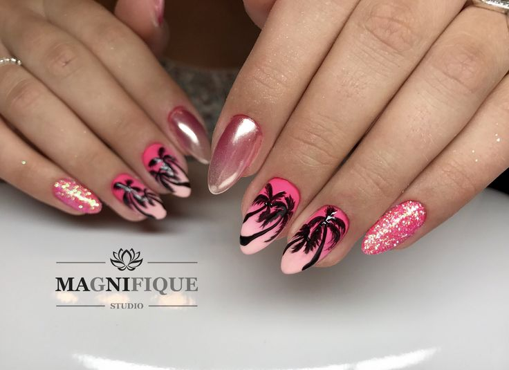 Summer ombre Palm Nails Pink chrome.
