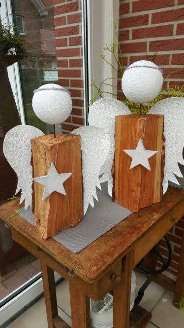 Holzscheit engel weihnachtszauber pinterest for Engel basteln holz