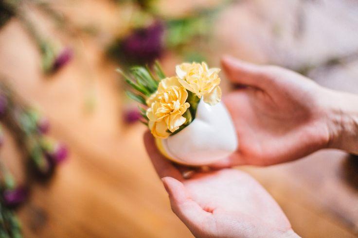 Керамические магниты – мини вазочки на холодильник или любую металлическую поверхность. Необычный сувенир и признание в любви. #любовь #сердце #магнит #ваза #экочеловеки #ecomen #ecocheloveki #plants #ceramics #magnet #heart #love #vase