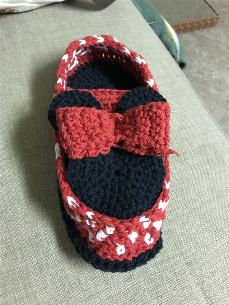 Minnie Slippers!!
