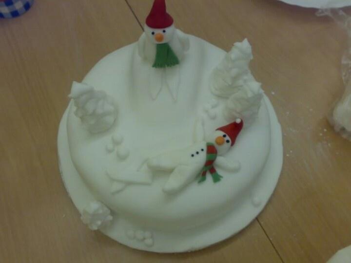 Skiing snowman Christmas cake